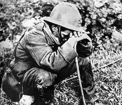 world_war_two_french_soldier_weeping_1940.jpg