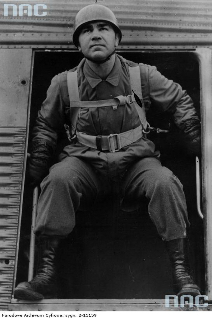 posed photo jump Max Schmeling German boxer paratrooper airborne fallschirmjager ju-52.jpg