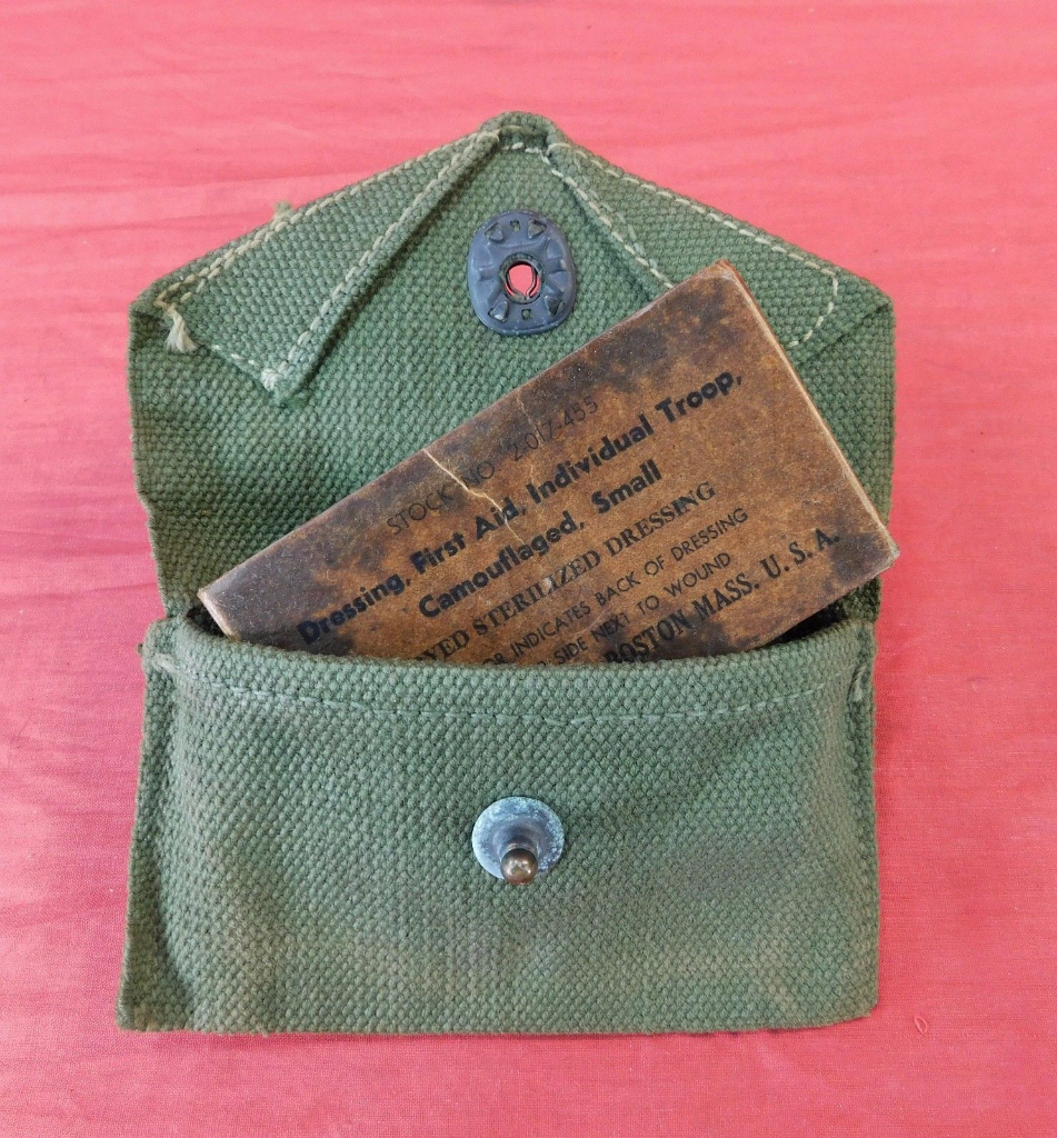 WW-2-US-M-42-First-Aid-Kit-with-_57.jpg